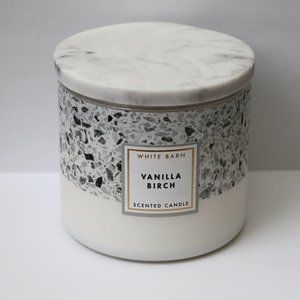 Bath & Body Works White Barn Vanilla Birch Candle